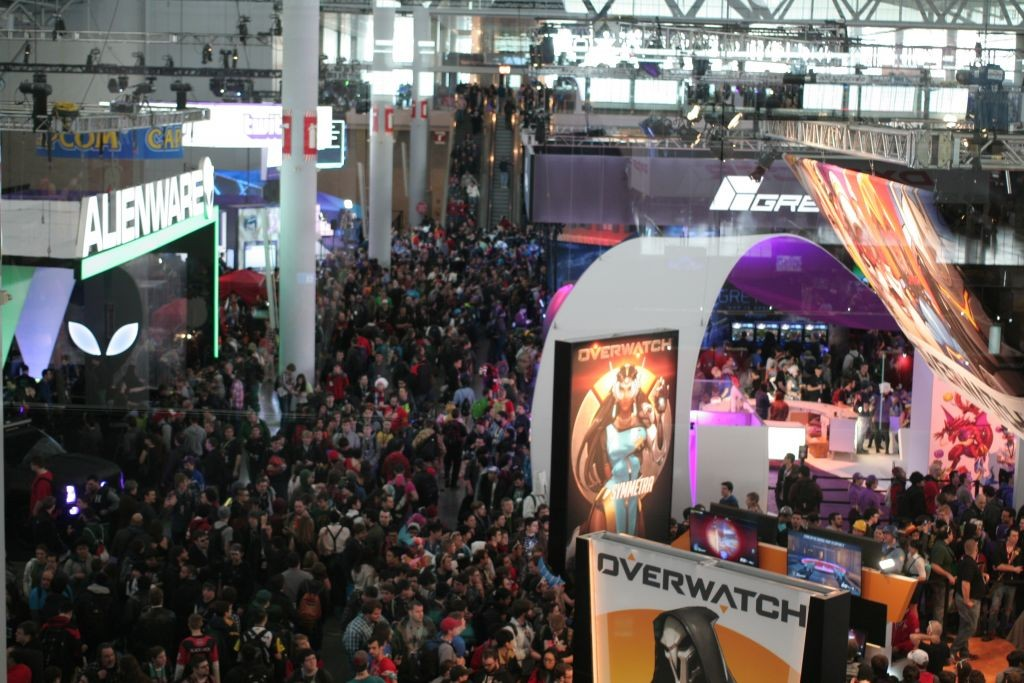 PAX East main floor crowd